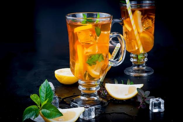 Chá gelado com limão e menta Foto Premium