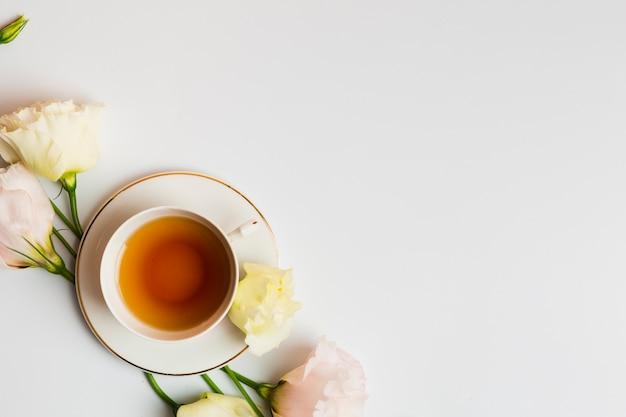 Chá inglês em configuração plana Foto gratuita