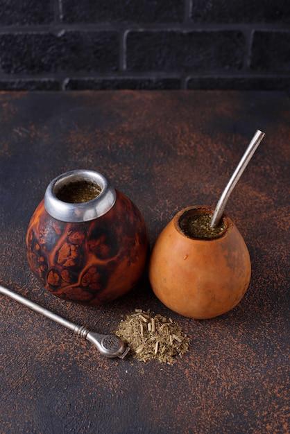 Chá tradicional de erva mate da argentina Foto Premium