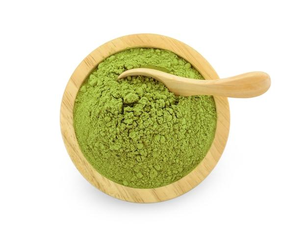 Chá verde matcha em pó no fundo branco Foto Premium