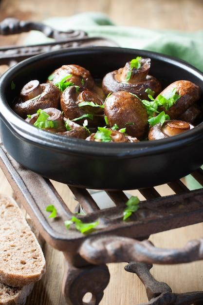 Champignon cozido cogumelos Foto Premium