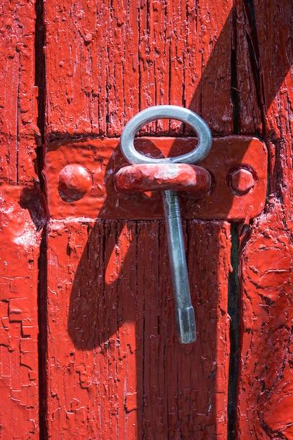 Chave antiga de ferro de um portão Foto Premium