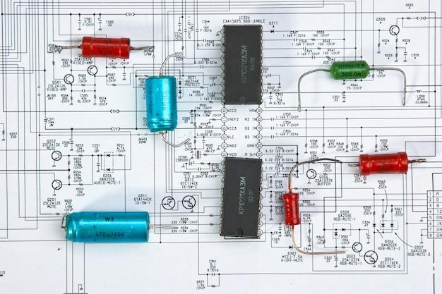 Chip de silício no diagrama de fiação Foto Premium