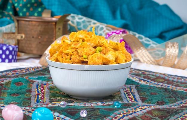 Chivda namkeen food Foto Premium