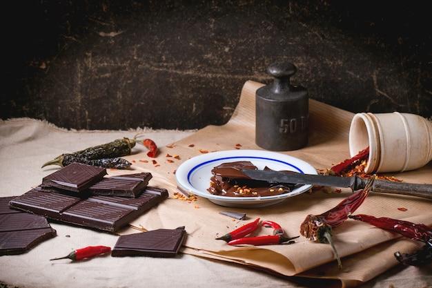 Chocolate e pimenta Foto Premium