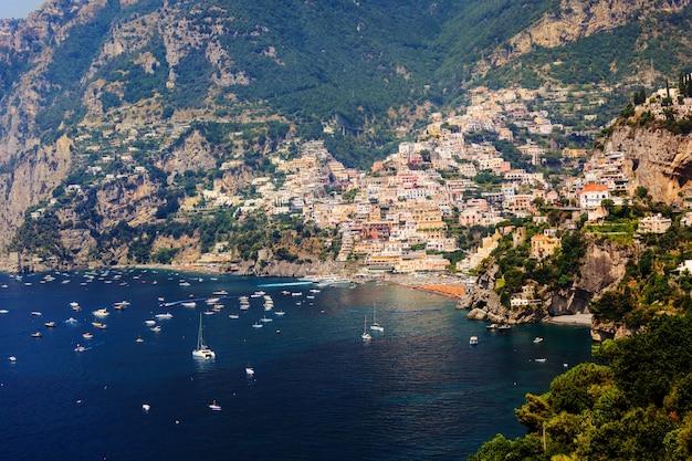 Cidade de positano na itália Foto Premium