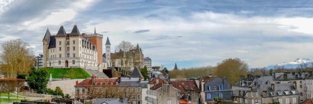 Cidade do castelo de pau na frança Foto Premium