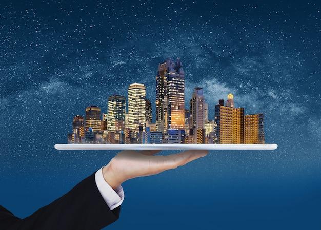 Cidade inteligente, edifício inteligente, negócios imobiliários e investimento Foto Premium