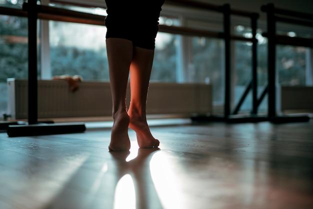 Cima, de, femininas, dançarino, pés Foto gratuita