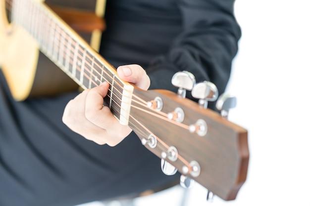 Cima, mãos, violão jogo Foto Premium