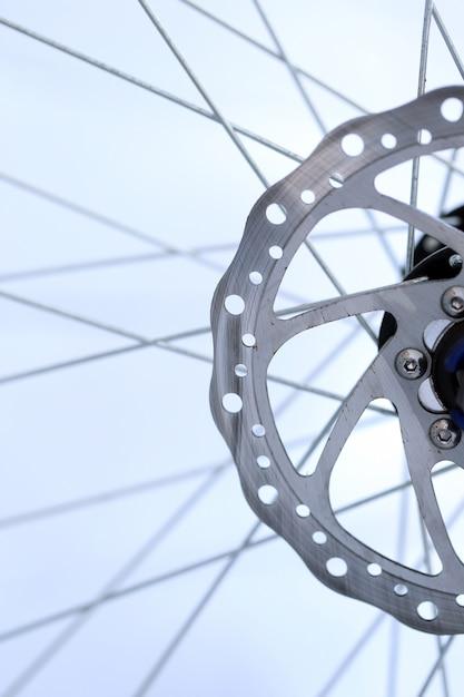 Close de eixo de roda de bicicleta Foto gratuita