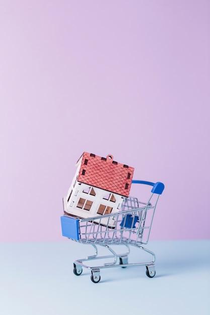 Close-up, casa, modelo, shopping, carreta Foto gratuita