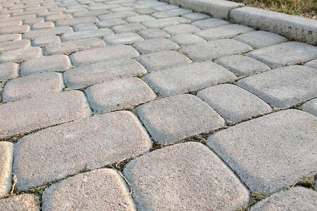 Close-up da maneira de caminho pavimentado pedra laje no parque ou quintal Foto Premium