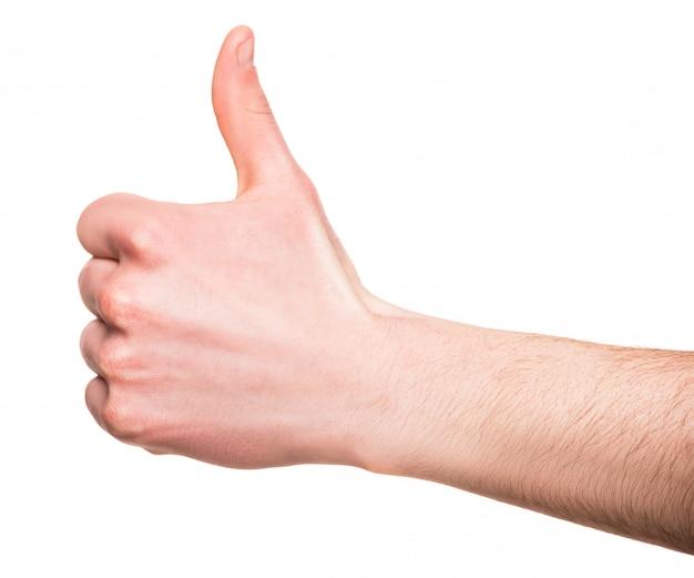Close-up da mão masculina está aparecendo os polegares. Foto Premium