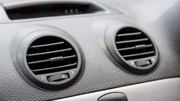 Close up de ar condicionado do carro. Foto Premium