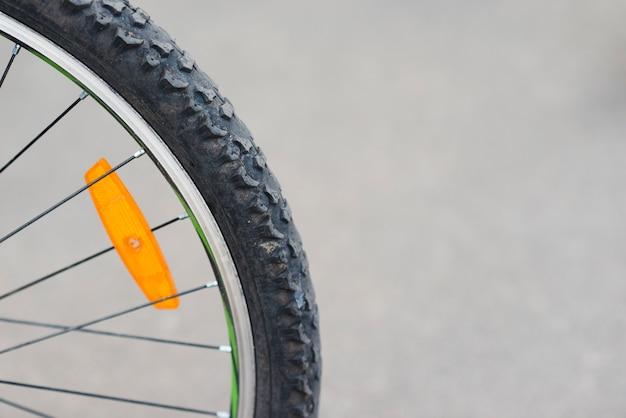 Close-up, de, bicicleta, roda traseira Foto gratuita