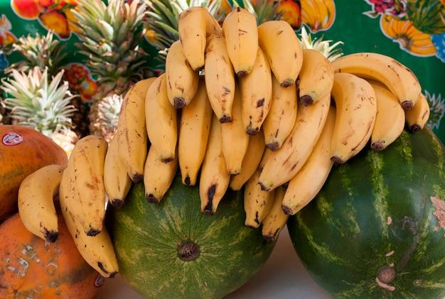 Close-up, de, frutas, em, um, mercado, tenda, sayulita, nayarit, méxico Foto Premium