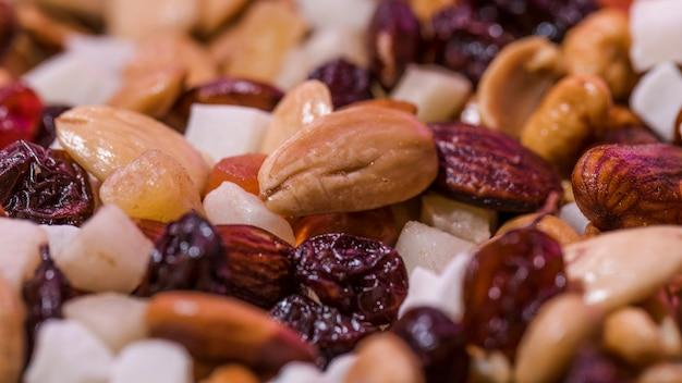 Close-up, de, misturado, nozes, e, frutas Foto gratuita