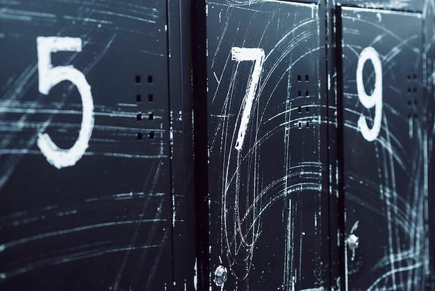 Close-up, de, numerado, lockers, em, ginásio Foto gratuita