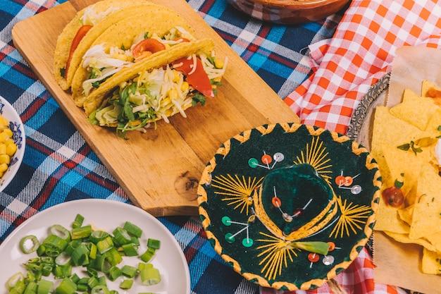 Close-up, gostoso, mexicano, alimento, corte, tábua Foto gratuita