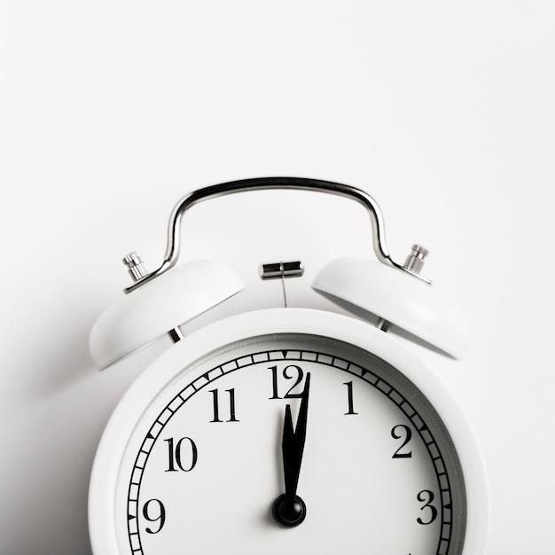 Close-up lindo relógio vintage Foto gratuita