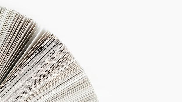 Close-up, livro, papel, branca, fundo Foto gratuita