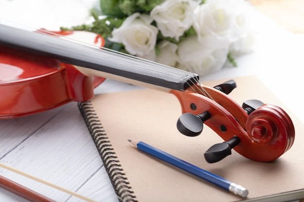 Close-up, tiro, violino, headstock, orquestra, instrumental Foto Premium