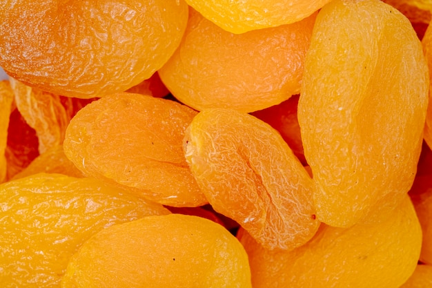 Close-up vista de damascos secos doces Foto gratuita