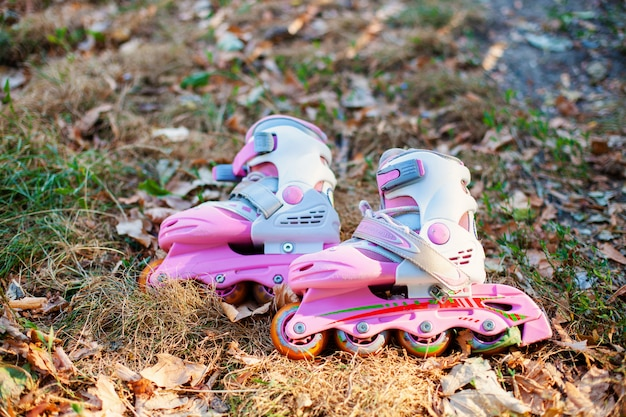 Close-up vista de patins inline ou rollerblade Foto Premium
