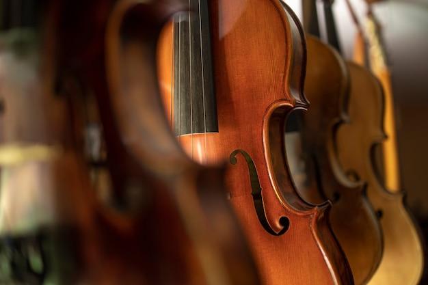 Close-up vista de violino instrumento musical Foto gratuita