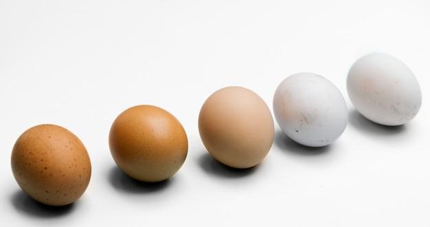 Closeup, de, fresco, orgânica, vário, ovos Foto Premium