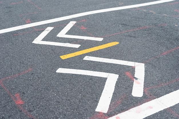 Closeup, de, rua, sinal cruzamento Foto gratuita