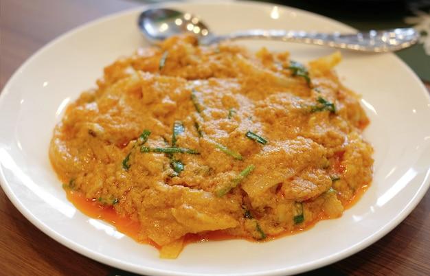 Closeup, misture, fritado, caril amarelo, carangueijo Foto Premium