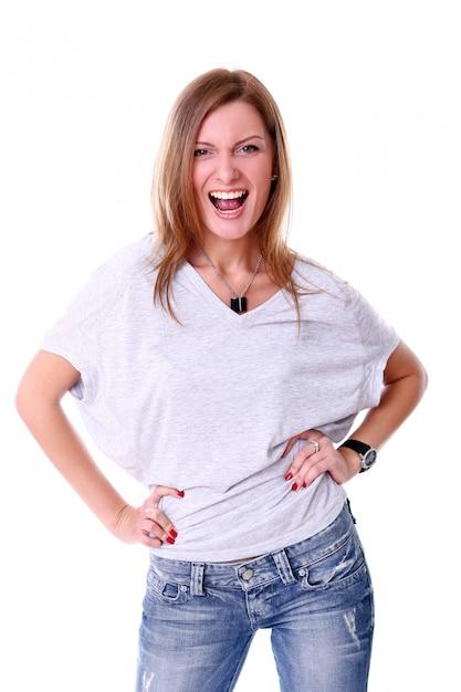 Closeup retrato de jovem bonito sorrindo contra fundo branco Foto gratuita
