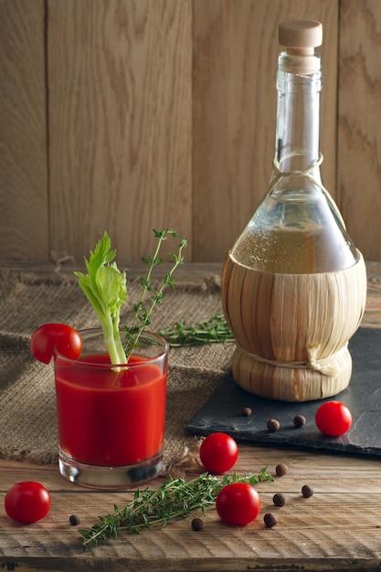 Cocktail alcoólico bloody mary. Foto Premium