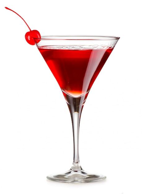 Cocktail cosmopolita com cereja isolado Foto Premium