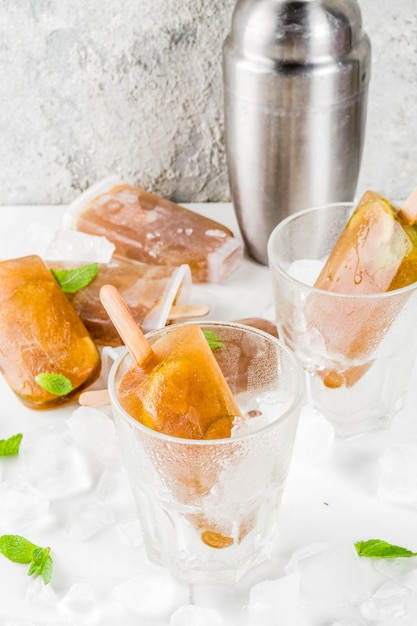 Cocktail cuba libre congelado Foto Premium