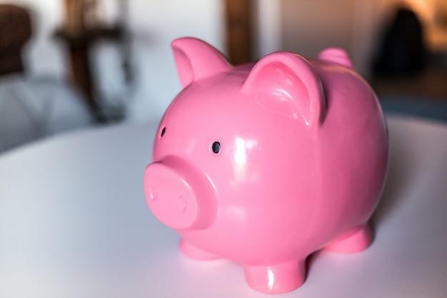Cofrinho rosa de poupança Foto Premium