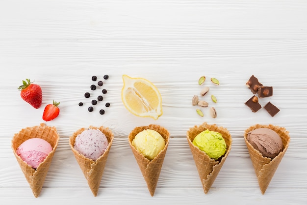 Coleção de sabores de sorvete Foto Premium