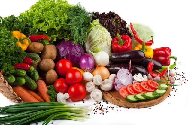Coleção frutas e legumes isolados Foto Premium