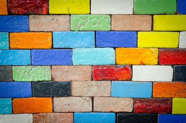 Colorido de telhas cerâmicas na parede Foto Premium