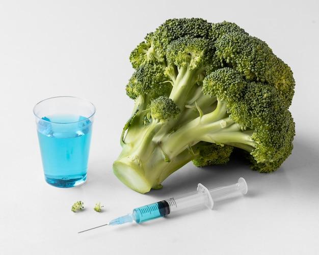 Comida deliciosa de brócolis ogm Foto gratuita