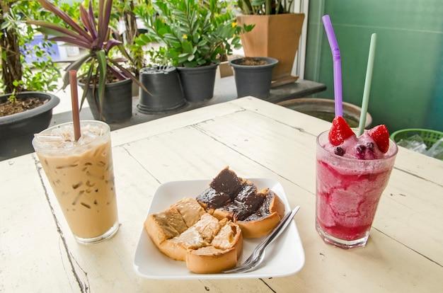 Comida e bebidas Foto Premium