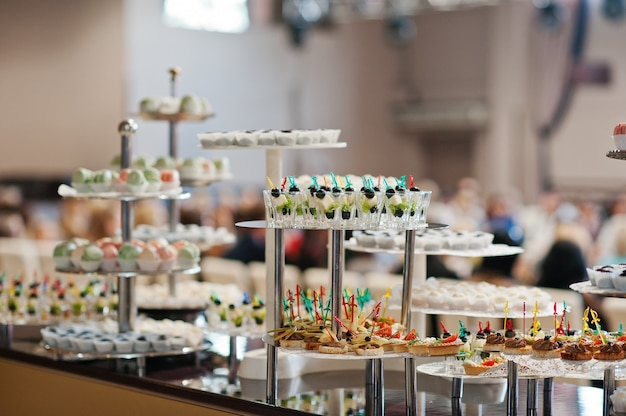 Comida na recepção do casamento Foto Premium