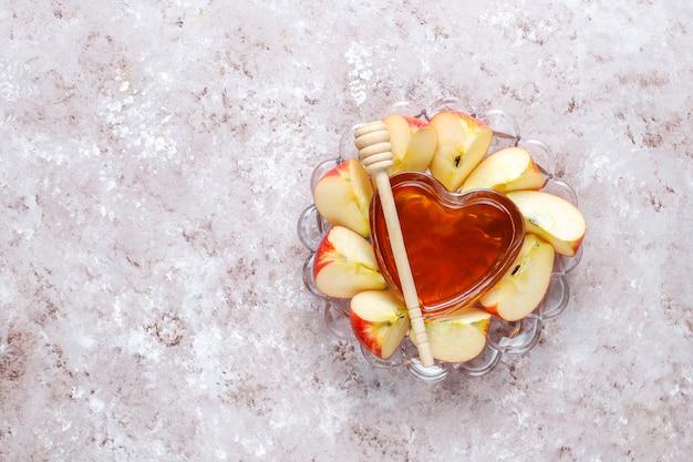 Comida tradicional do ano novo judaico - rosh hashaná. Foto gratuita