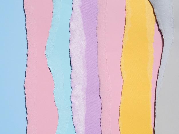 Composição abstrata colorida com papéis Foto gratuita
