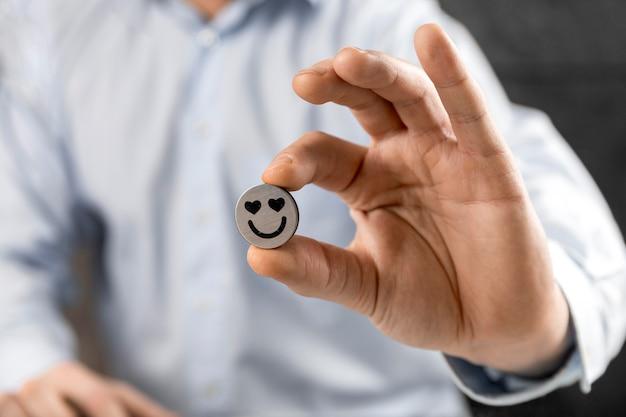 Composição com emoji apaixonado Foto gratuita