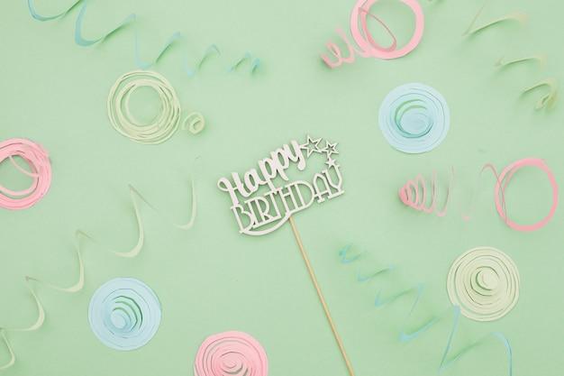 Composição de aniversário plana leiga Foto gratuita
