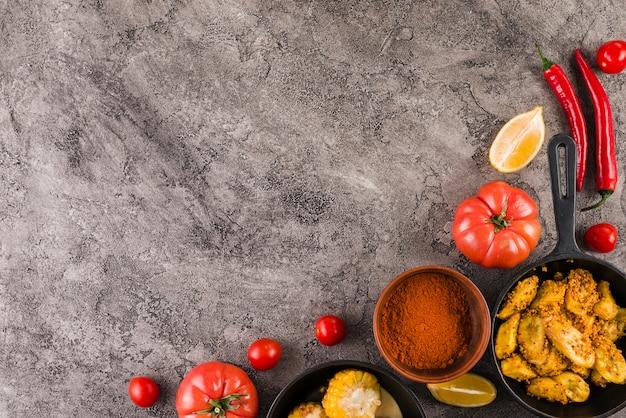 Composição de comida mexicana plana leigos com copyspace Foto gratuita