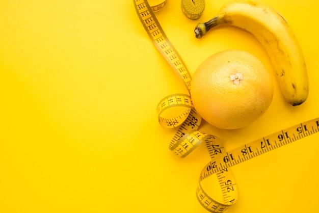 Composição de comida saudável moderna Foto gratuita